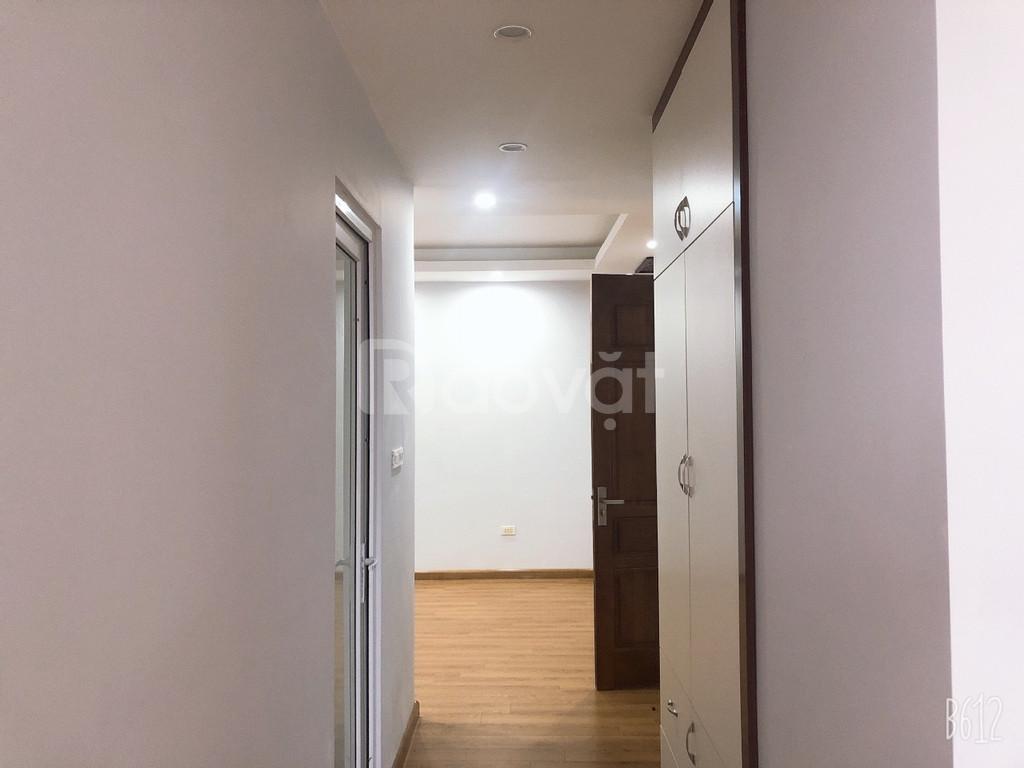 Bán căn góc 3 ngủ KĐT Nam Cường Cổ Nhuế giá 27tr/m2