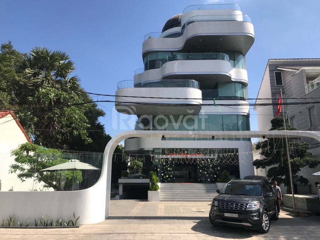 Bán tòa nhà Văn phòng cao cấp, khu trung tâm Trần Não, Q.2, HCM