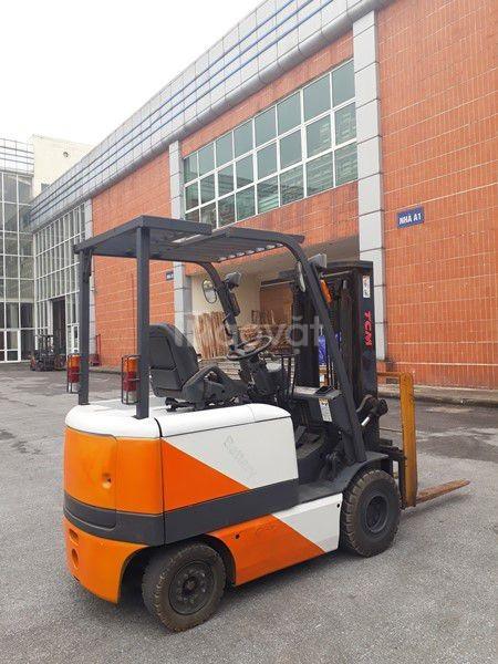 TFV030  Xe nâng điện ngồi lái hiệu TCM  FB20-6