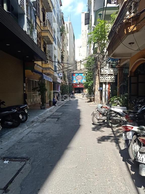 Bán nhà phân lô quân đội Hoàng Văn Thái, 2 mặt thoáng, ô tô 16 chỗ vào nhà, 50m x 5 tầng