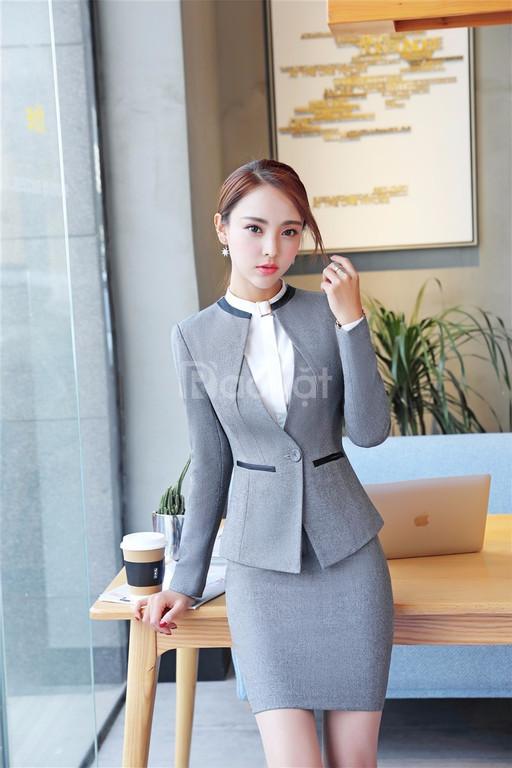 Công ty may áo vest nữ công sở theo yêu cầu và xu hướng