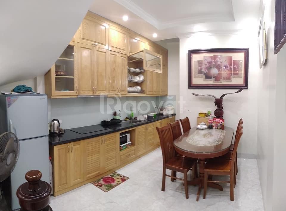 Cần bán gấp nhà trên phố mới Trường Chinh, dt 34m2