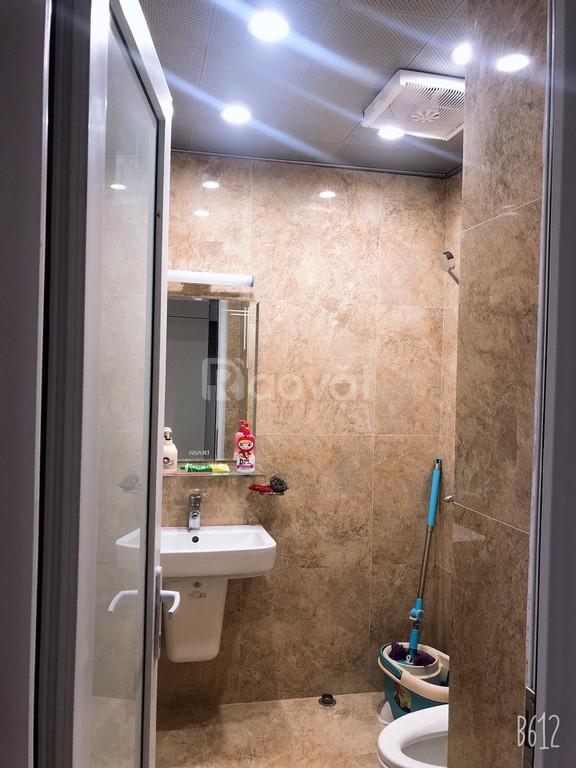 Bán cắt lỗ căn 3 ngủ chung cư 234 Hoàng Quốc Việt giá 27tr/m2