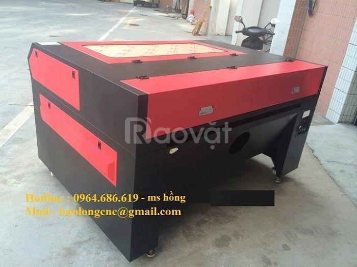 Máy laser 1390 cắt mica, gỗ đẹp cho ngành quảng cáo