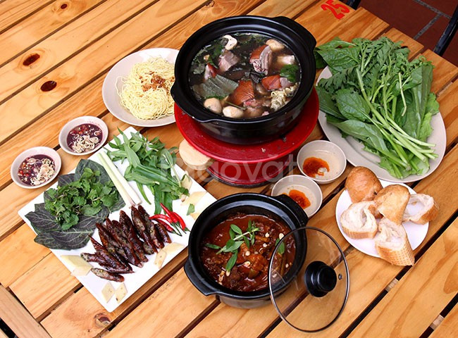 Cấu tạo bếp và tính năng nổi bật của bếp than điện Dế Mèn