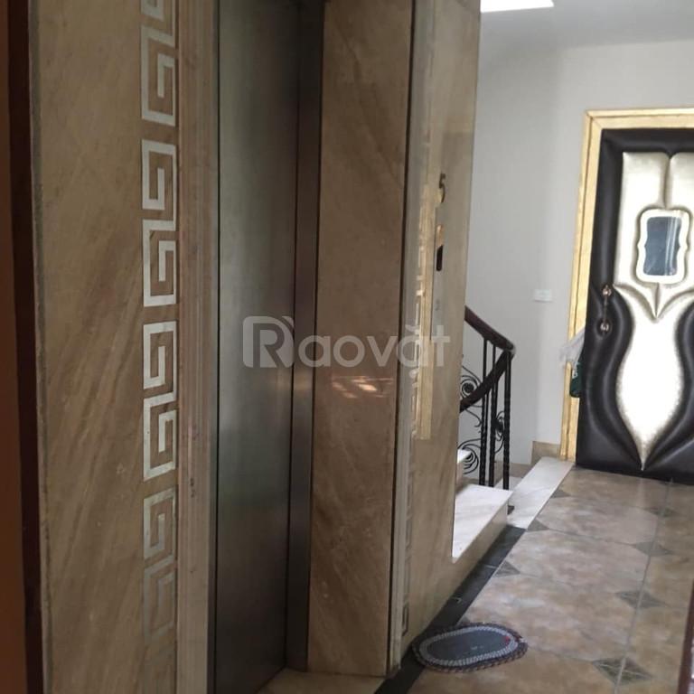 Cho thuê nhà riêng phố Việt Hưng 75m2, 6 tầng đẹp thang máy giá 25tr