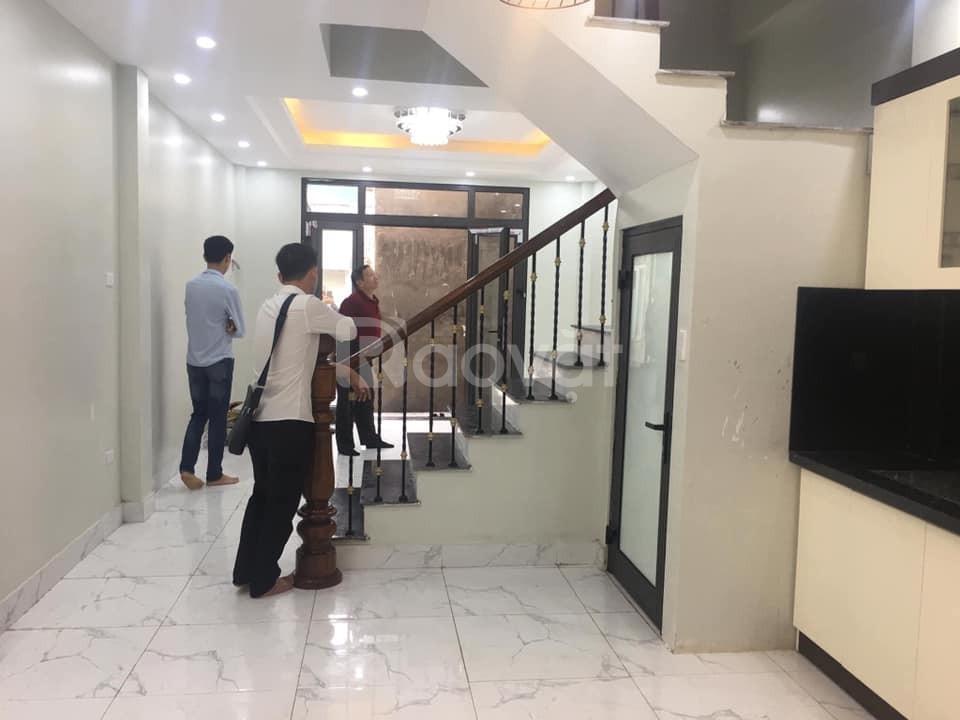 Bán nhà mặt phố Vũ Hữu, Thanh Xuân, 40m2 x 6T KD sầm uất