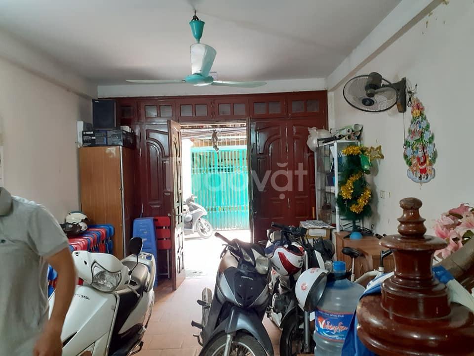 Bán nhà gấp ở Hai Bà Trưng, Hà Nội, 32m, 5T, 3PN, giá giá 2 tỷ 8.