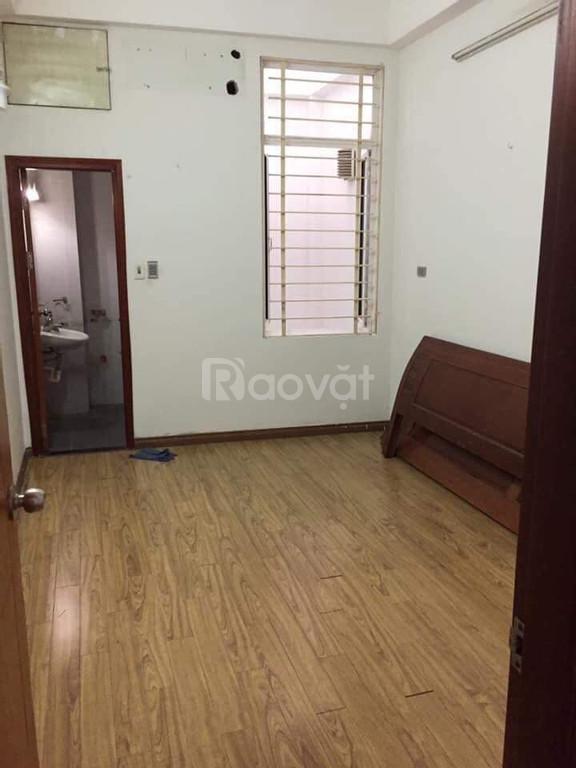 Cho thuê nhà riêng Ngọc Thụy 50m2, 5 tầng đẹp giá 8tr/tháng.