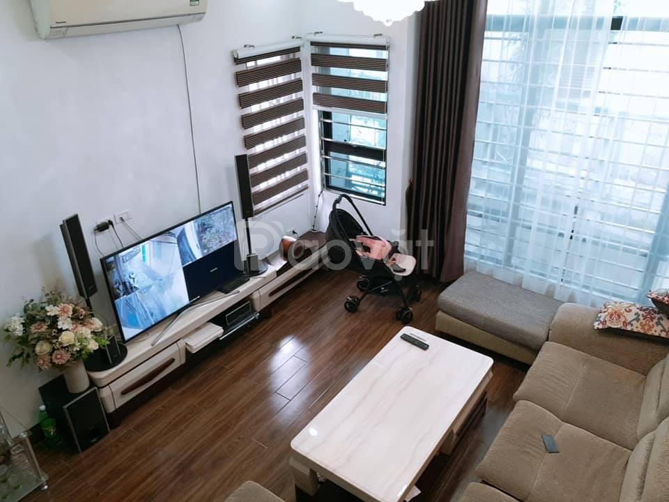 Bán nhà Hoàng Văn Thái 50m x 5 tầng ô tô 16 chỗ vào nhà, kinh doanh, 2 mặt thoáng