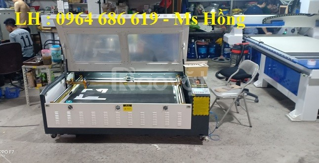 Máy laser 1390 cắt mica, máy cắt quảng cáo laser 1390 giá chỉ 65 triệu
