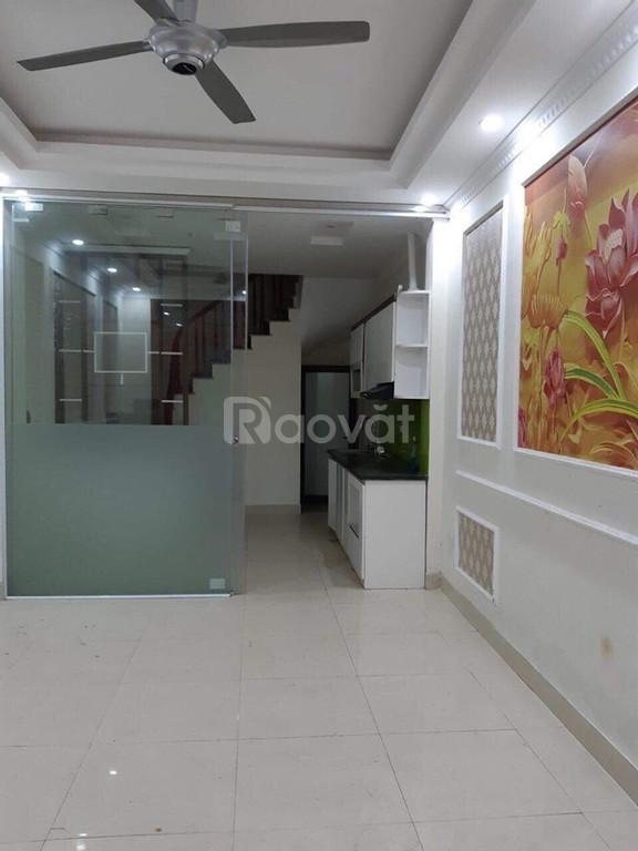 Cho thuê nhà riêng Thạch Bàn 4 tầng đẹp giá 7tr/tháng.