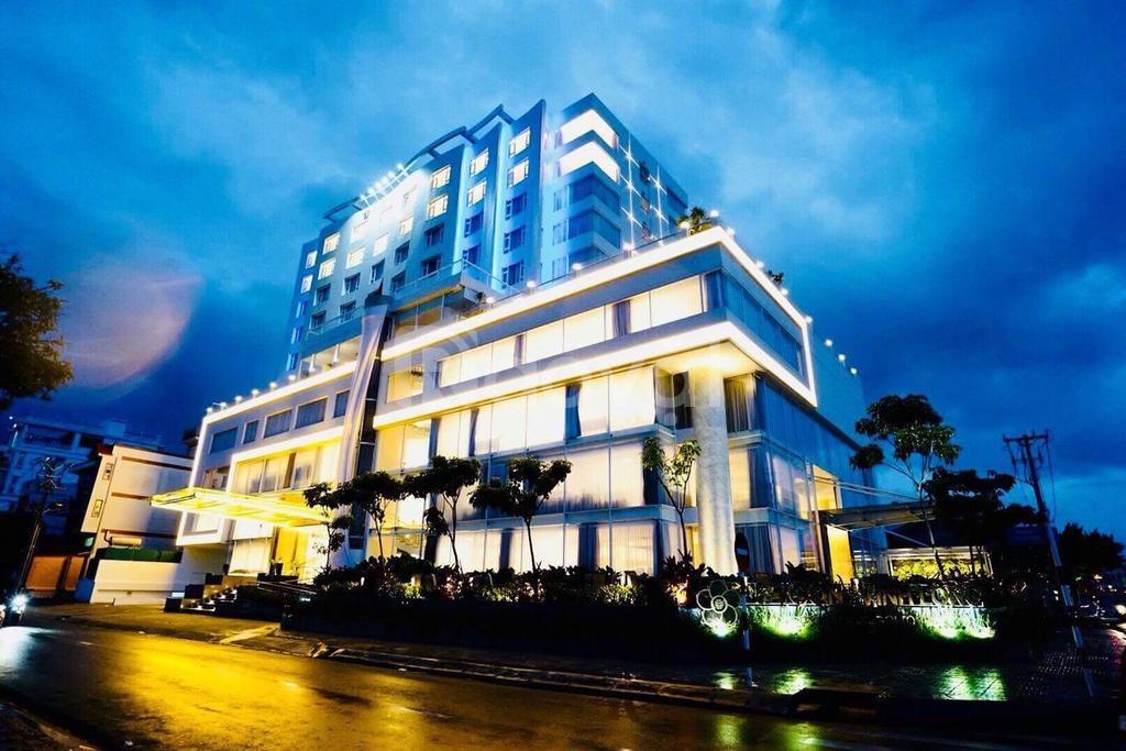 Khách sạn mặt phố gần Trần Hưng Đạo,khách sạn 5 sao,doanh thu gần50tỷ