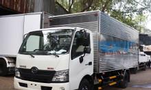 Xe tải hino XZU730L 5 tấn thùng kín dài 5m7, lắp ráp Việt Nam
