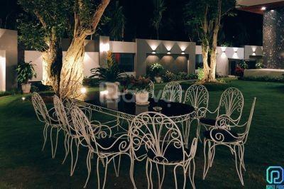 Bàn ghế sắt nghệ thuật kiểu dáng đa dạng cho không gian sân vườn đẹp