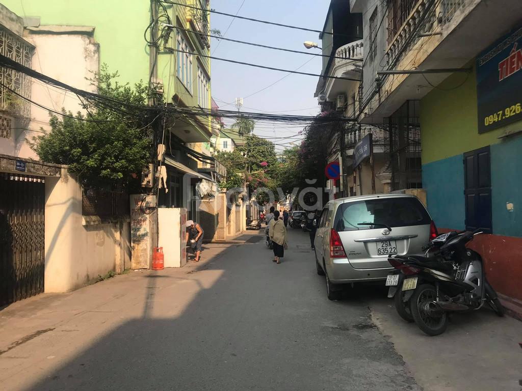 Bán nhà Nguyễn Trãi kinh doanh, ô tô tránh, 100m, giá 9,8 tỷ