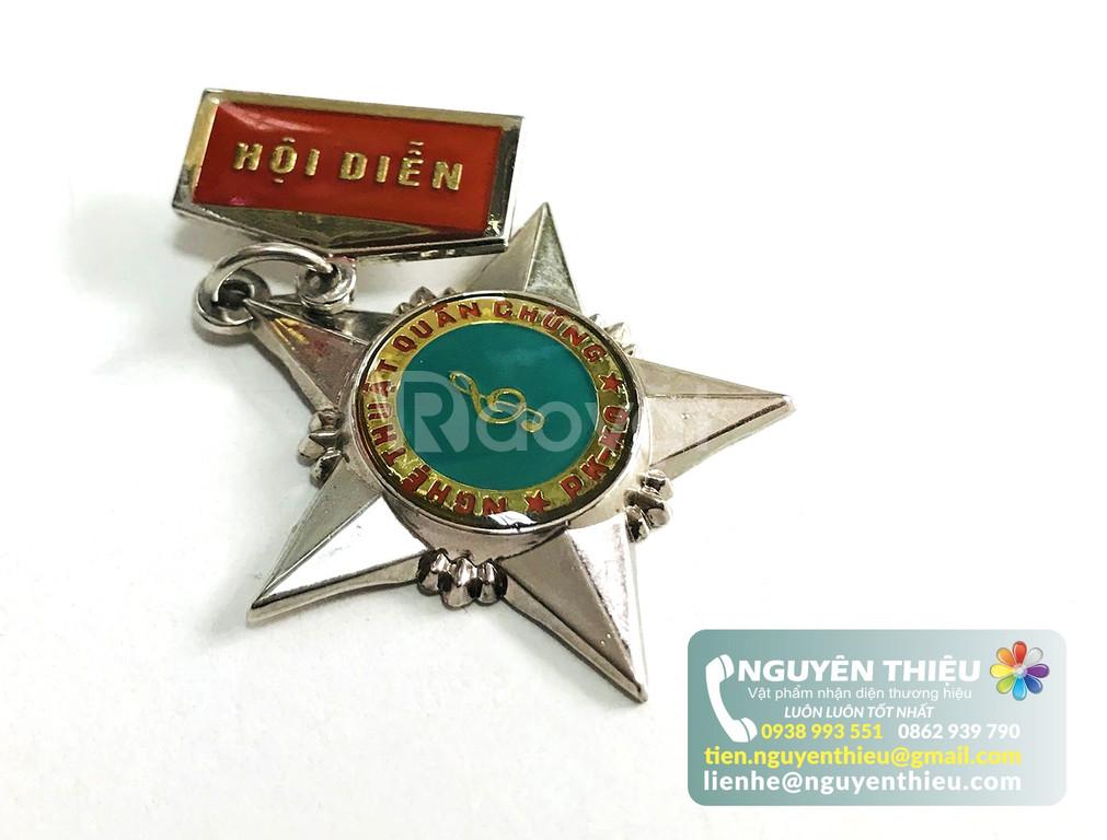 Sản xuất huy hiệu công ty, sản xuất huy hiệu, logo, bảng tên giá rẻ  (ảnh 1)