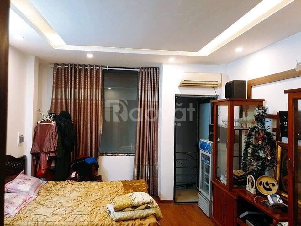 Bán nhà đẹp 34m2*5T cách ô tô 15m ngõ rộng thẳng tắp phố Trương Định giá 3,2 tỷ