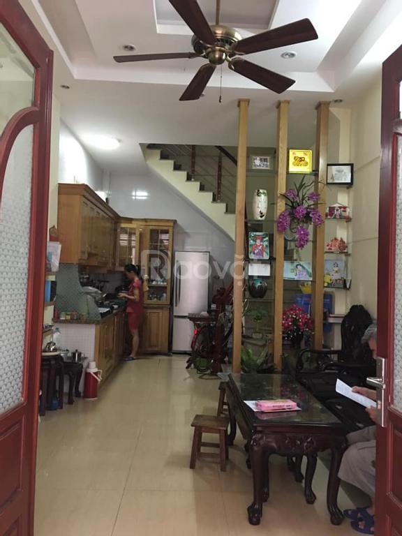 Bán nhà đẹp 35m2*6T gần sân bóng HBT cách ô tô 15m phố Nguyễn An Ninh giá 3,2 tỷ