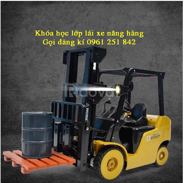Học lái xe nâng bao nhiêu tiền tại Tân Hưng Lai Uyên Bàu Bàng BD
