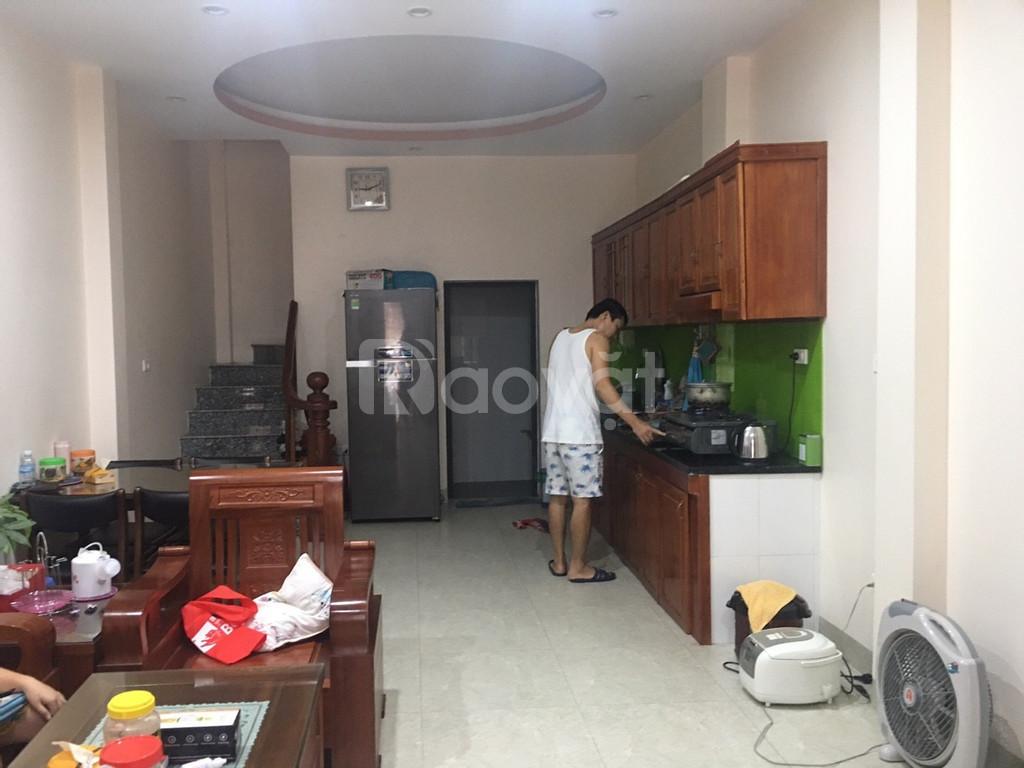 Cần bán nhà ở Ngõ Phố Trạm trong 10 ngày.