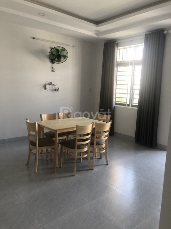 Cho thuê nhà thuê nhà nguyên căn, 5 phòng ngủ, mặt tiền kinh doanh