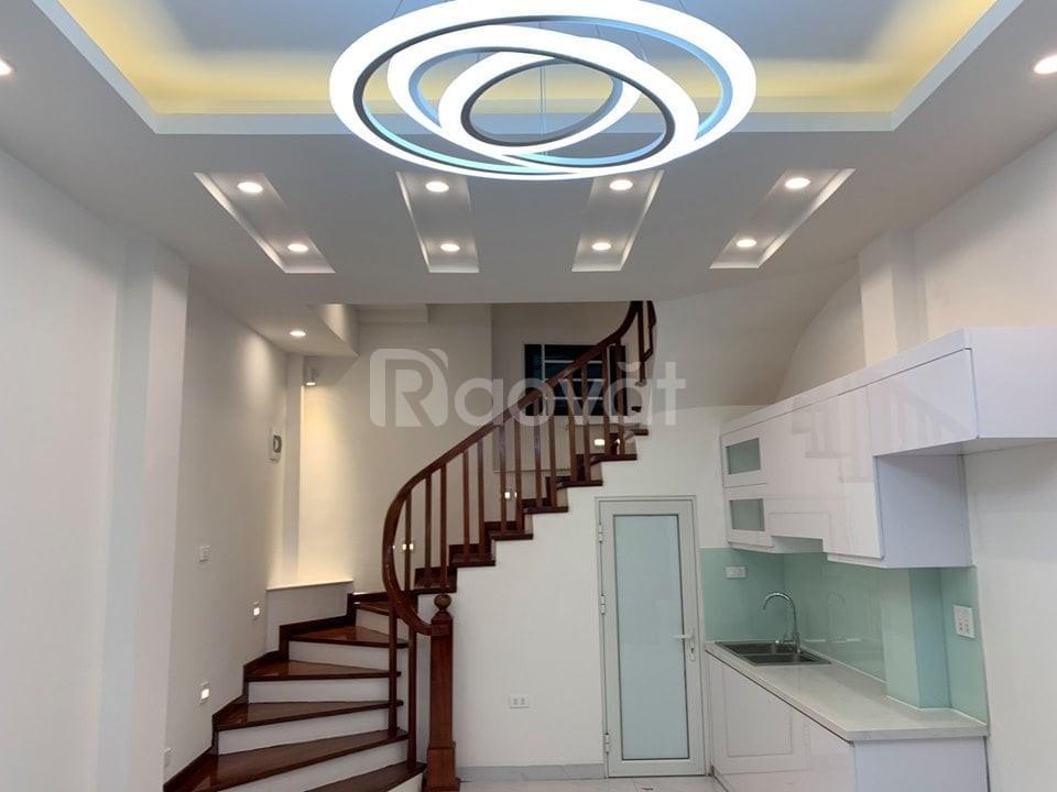 Bán nhà đẹp - Hoàng Hoa Thám - Ba Đình, 50m2x5T, giá nhỉnh 4 tỷ.