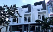 Có 1 căn nhà 100m2 3 lầu cần bán, có sổ hồng riêng