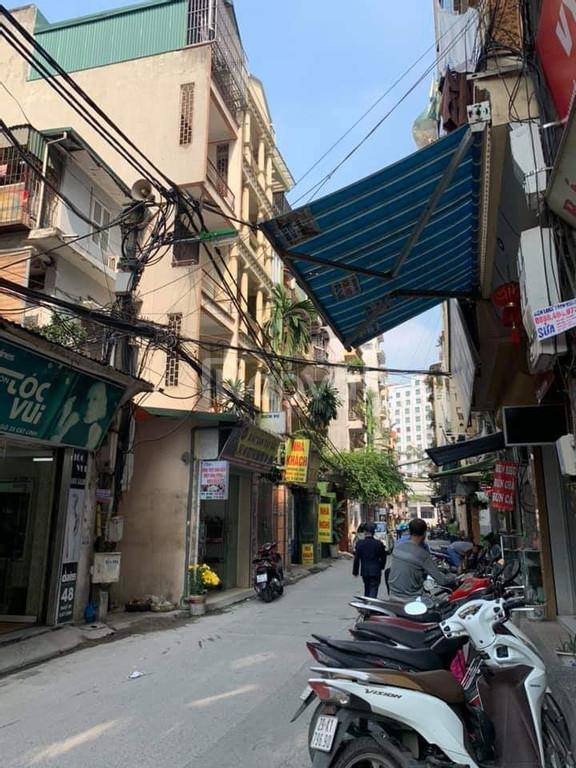 Bán nhà đường Nguyễn Trãi – Thanh Xuân 40m2x4T, ô tô đỗ gần, cạnh Royal City, giá 2 tỷ 65