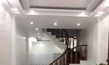 Cần bán nhà trên phố Nguyễn Chí Thanh, Đống Đa 34m2, mt 4m.