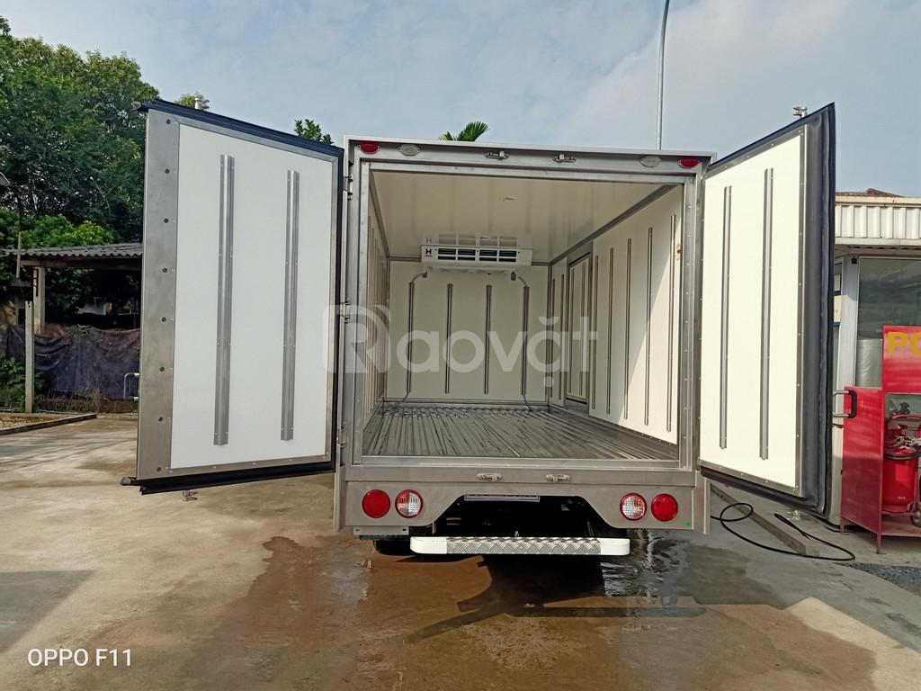 Xe đông lạnh Kia K250 thùng đông lạnh động cơ Huynhdai