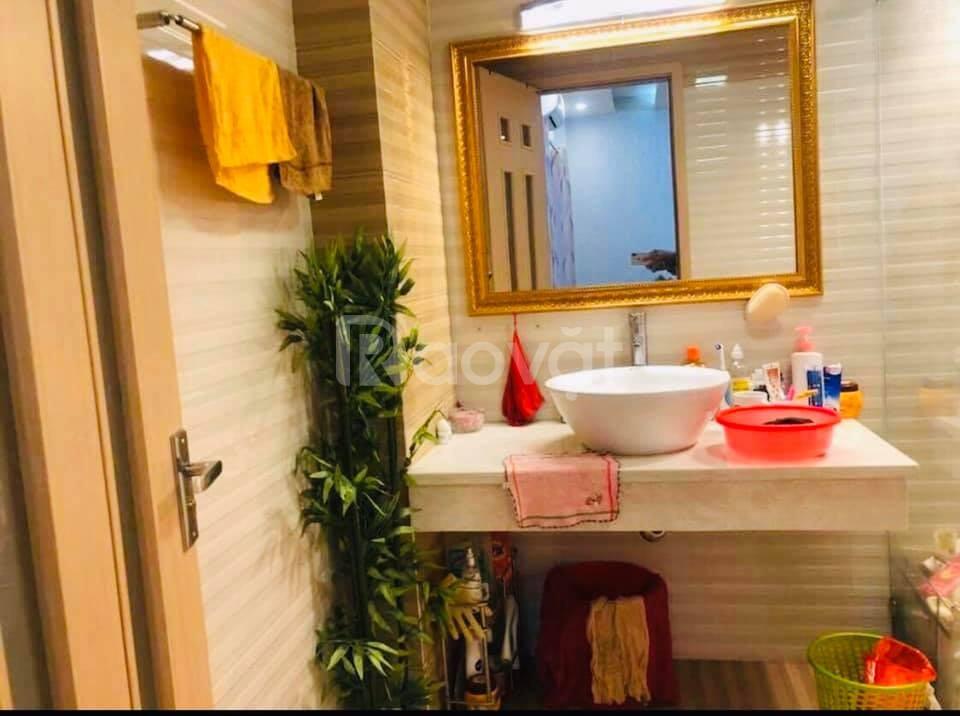 Nhà đẹp phố Khâm Thiên 42m2*4T 3 phòng ngủ, ngõ thông giá 3.5 tỷ