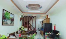 Bán nhà đẹp 37m2*5T gần UBND cách ô tô 20m ngõ rộng thoáng phố Lạc Trung giá 3.5 tỷ