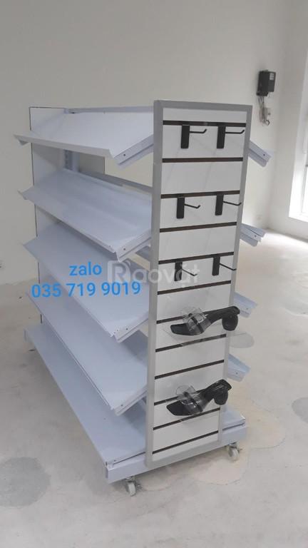 Kệ trưng bày giày dép giá rẻ tại Gò Vấp