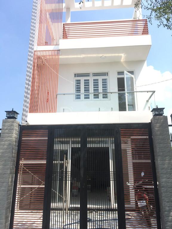 Bán nhà đẹp, mới xây 1 trệt 2 lầu 5.5x16m, SHR, chợ Bình Chánh