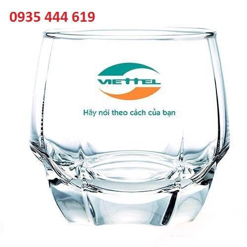 Ly thủy tinh in logo quà tặng khách hàng tại Quảng Trị