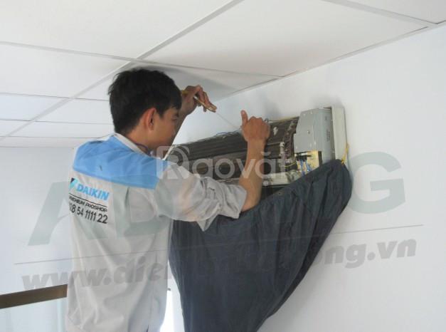 Vệ sinh máy lạnh giả rẻ, chuyên nghiệp