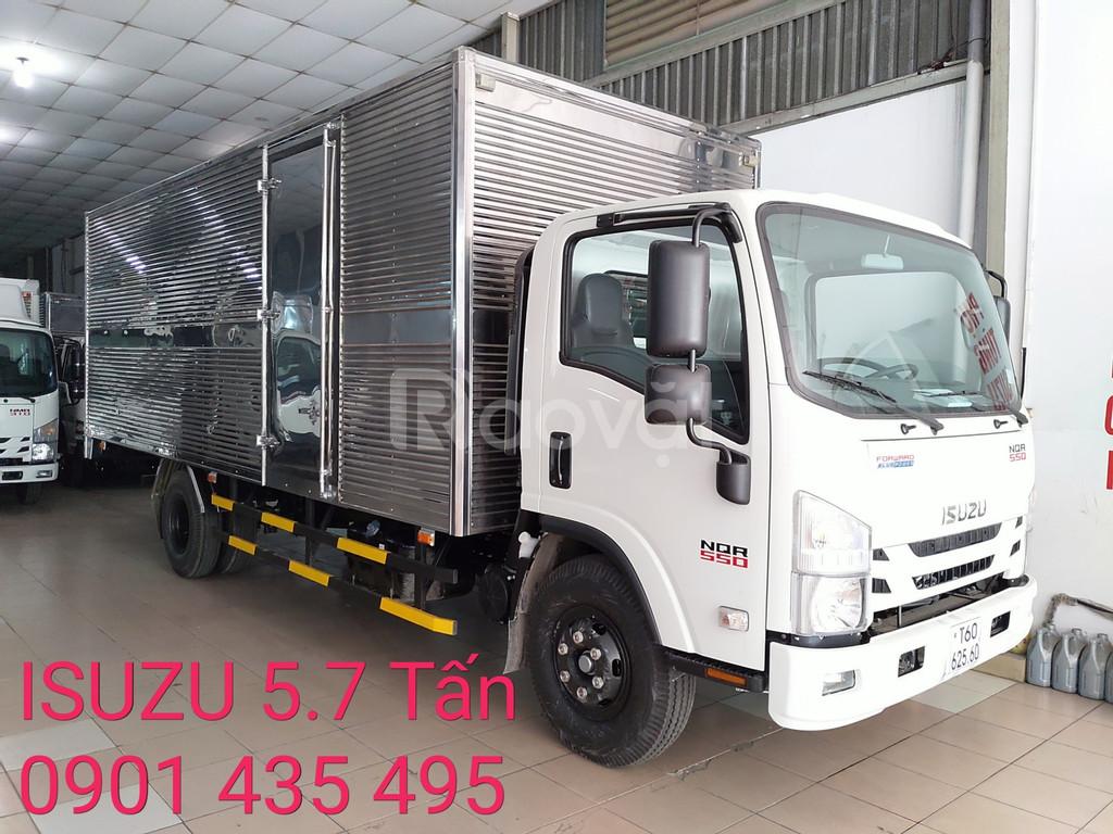 Isuzu 5.7 tấn, thùng 6.2m, KM trước bạ, máy lạnh, 200 lít dầu, 2 vỏ xe