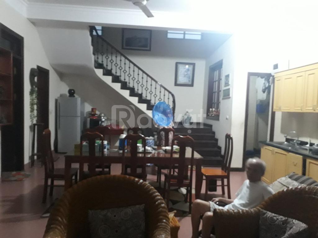 Bán nhà riêng trong ngõ 27 Võ Chí Công, 121m2 sổ đỏ, giá 5,6 tỷ