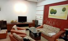 Bán nhà phố Hào Nam, 43m2 3T, lô góc 3 mặt thoáng, 30m ra mặt phố.