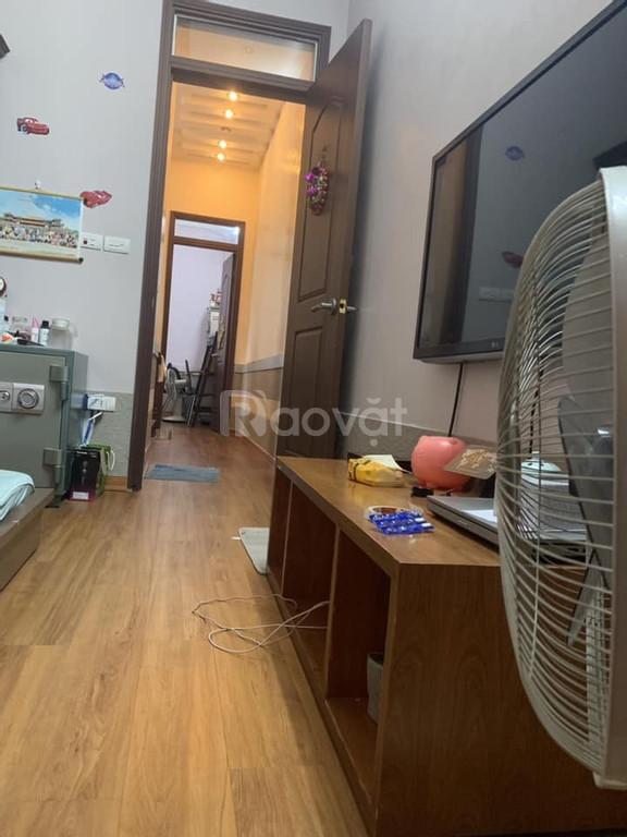 Nhà phố Nguyễn Văn Cừ, ngõ thông ô tô tránh DT 43m; 4 tầng; 3,5 tỷ