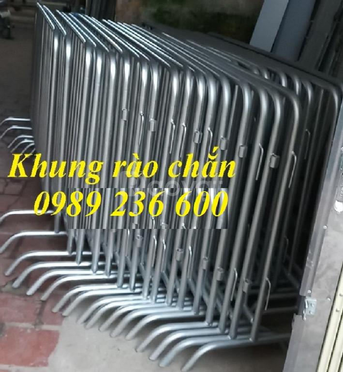 Hàng rào di động 1x2m chắc chắn bền đẹp giá rẻ tại Hà Nội. (ảnh 6)