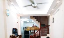 Bán nhà quận Đống Đa phố Tây Sơn 30m2, 4PN, mặt ngõ.