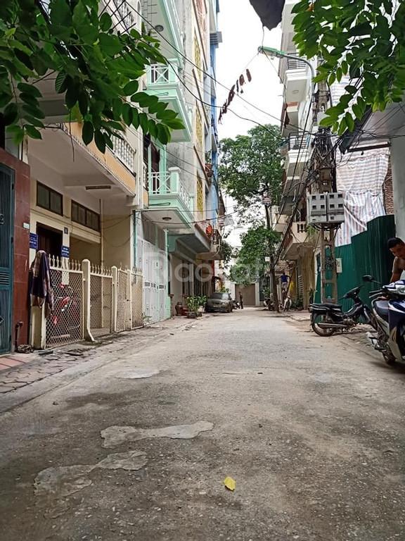 Bán nhà Lạc Trung DT35 x 4T giá 2.6 tỷ an sinh tốt.