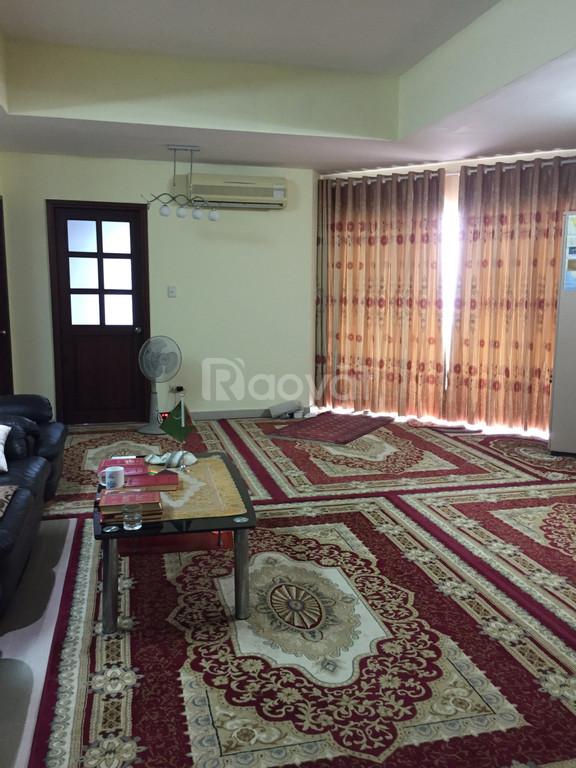 Cho thuê căn hộ 4 PN diện tích 160 m2, trung tâm quận 2.