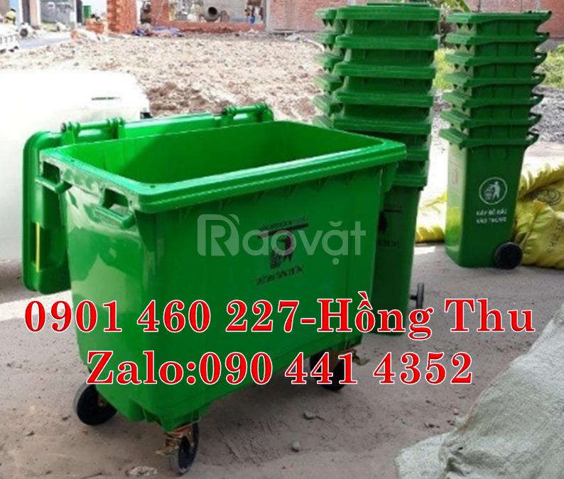 Thùng rác màu đen 1000 lít nhựa HDPE, xe thu gom rác 1000L màu trắng