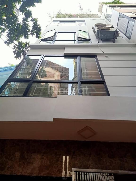 Bán nhà đẹp 32m2*5T ngõ thẳng rộng, 2 mặt thoáng cách mặt phố Bạch Mai 50m giá 2.6 tỷ