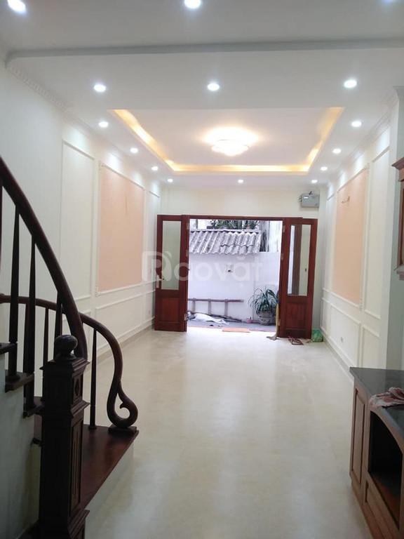 Bán nhà Trương Định thuận tiện di chuyển nhà mới ở ngay giá 1,85 tỷ