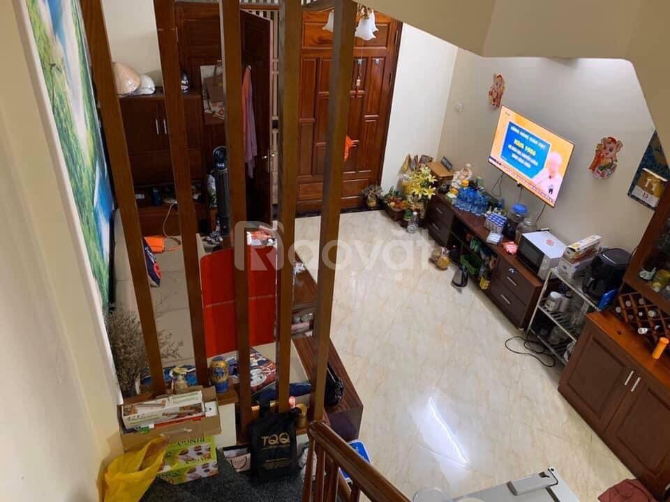 Bán nhà đẹp 32m2 ngay THCS Tân Định 2MT, MT 4m cách ô tô 20m p Nguyễn An Ninh giá 2.7 tỷ