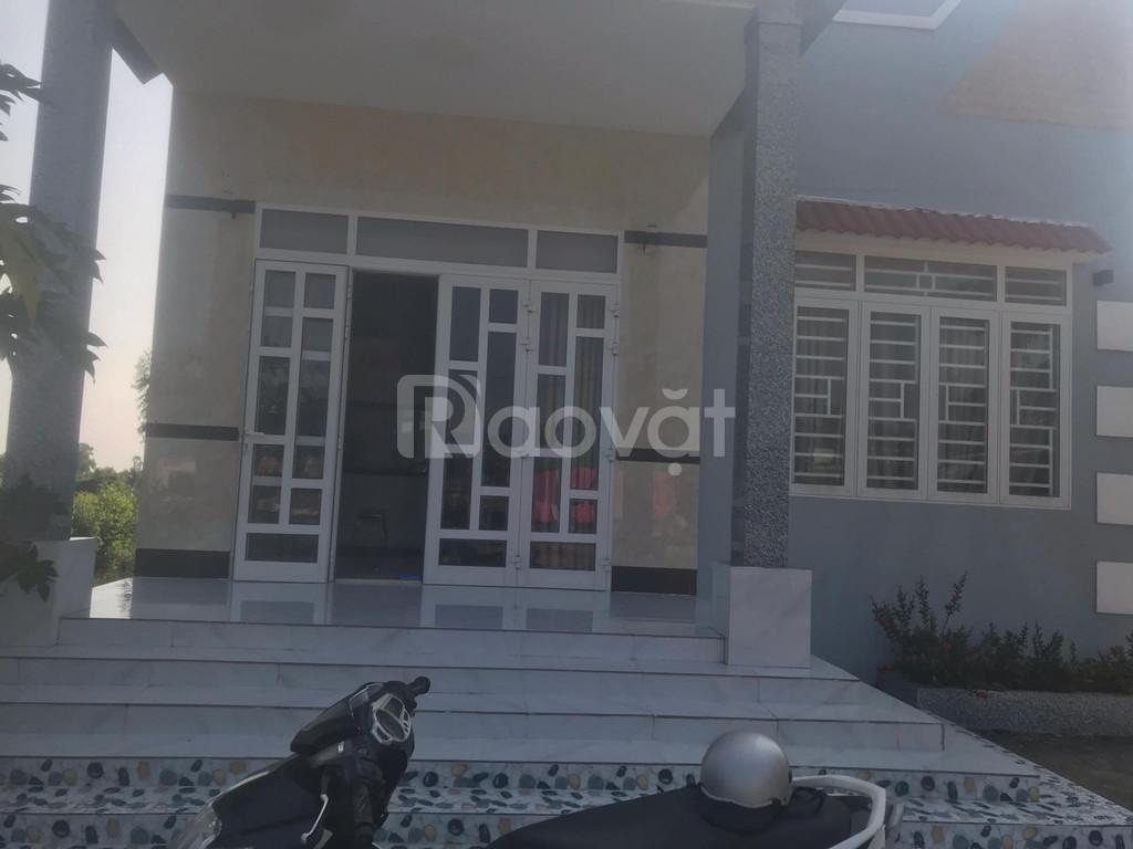Bán gấp nhà + đất hẻm bt km 42, Hàm Tân